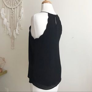 Tops - Noah black top with scallop details size XS